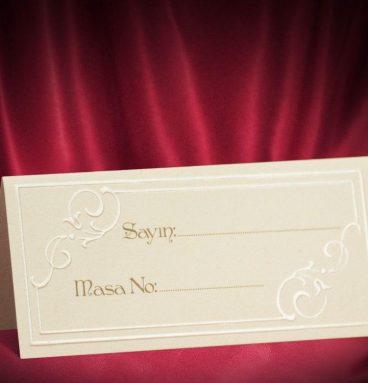 kabartmalı krem renk düğün masa kartı m18